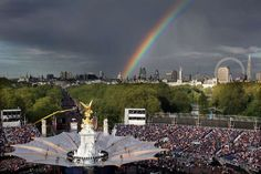 A+rainbow+is+seen+over+London+Eye+and+the+stage+of+the+The+Diamond+Jubilee+Concert+outside+Buckingham+Palace+in+London.min.jpg