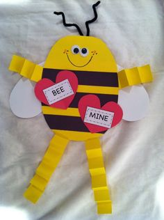 Valentine - Bee mine, perfect to do with my daughter's preschool class.  I think I would add little hearts for his hands and feet too!