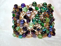 Green and Purple Beaded Bracelet handmade crochet di HettyMarie
