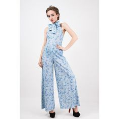 Vintage wide leg jumpsuit / 1970s floral print halter palazzo jumpsuit with bow tie collar neck / Bell bottom / S