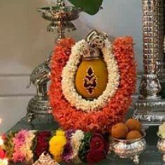 Flower Garland Wedding, Flower Garlands, Flower Decorations, Mandir Decoration, Decoration For Ganpati, Alpona Design, Pooja Room Door Design, Rangoli Border Designs, Indian Goddess