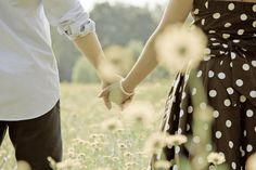 """""""O Amor é a vida acontecendo no momento: sem passado, sem futuro, presente puro, eternidade numa bolha de sabão!..."""" (rubem alves)"""