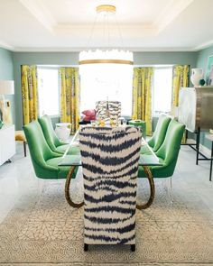 Kelly Golightly's Colorful Palm Springs Dining Room designed by Christopher Kennedy #palmspringsstyle #palmsprings #traditionalhome #interiorinspo #sodomino #mydomaine #diningroom