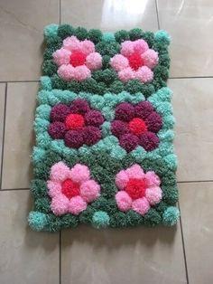 Baby Gifts Homemade Pom Poms 50 Ideas For 2019 Pom Pom Rug, Pom Poms, Diy Arts And Crafts, Easy Crafts, Homemade Baby Gifts, Loom Knitting Projects, How To Make A Pom Pom, Rug Yarn, Pom Pom Crafts
