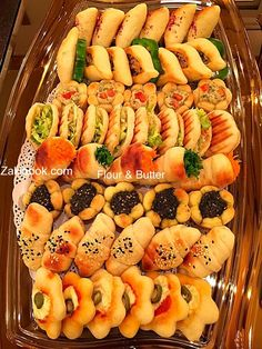 How to make problem pastries- كيف تصنع معجنات مشكلة How to make problem pastries - Middle East Food, Middle Eastern Recipes, Cena Show, Arabian Food, Cuisine Diverse, Good Food, Yummy Food, Ramadan Recipes, Lebanese Recipes
