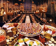 Hogwarts table - now that's a party table!