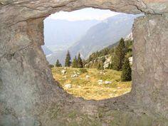 Blick aus einer Kaverne auf der Cukla. Isonzofront