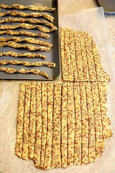 Flaxseed Twisty Sticks is part of Cracker recipes - Flaxseed Twisty Sticks An easy and savory cracker recipe made with flaxseed These are deliciously addictive and good for you too! Savory Crackers Recipe, Savoury Biscuits, Homemade Crackers, Healthy Crackers, Recipe For Flaxseed Crackers, Artisan Crackers Recipe, Vegan Cracker Recipe, Flax Seed Crackers, Gluten Free Crackers