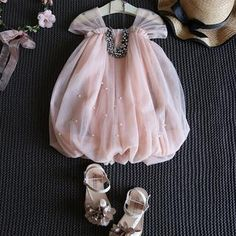 New Ideas for baby outfits newborn summer Kids Dress Wear, Kids Gown, Kids Dress Up, Baby Summer Dresses, Dresses Kids Girl, Summer Baby, Fall Baby, Baby Girl Frocks, Frocks For Girls