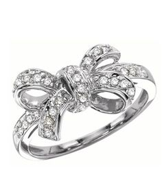 What's more girly than a pretty sterling silver bow ring? Add a feminine accent with this exquisite silver bow ring.    Bow rings are a great gift...