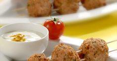 Aprende a preparar Albóndigas de pavo con salsa de yogur con las recetas de Nestle Cocina. Elabórala en casa con nuestro sencillo paso a paso. ¡Delicioso! #NestleCocina
