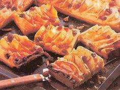 vcielkaisr-mojerecepty: Jablkový koláč s mandľami a hrozienkami