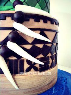Love this samoan pattern cake