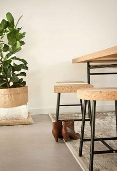 Fotografie by MOHN. Tafel, bankje en krukje uit @IKEA Sinnerlig, tabaksplant in zak van @serax