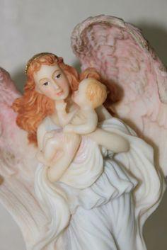 Roman Seraphim Classics Seraphina Angel Heaven's Helper w/Baby Item#69997 1994   $19.95