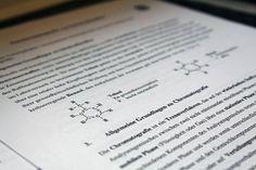 Kupferelektrolyse, Gaschromatografie und Ionenaustauschverfahren – das klingt für die meisten von uns schon sehr speziell. Aber während der 11. Interdisziplinären Wochen an der FH Kiel stand das Chemielabor Studierenden aller Fachbereiche offen und da wurden diese aufregenden Sachen gemacht.