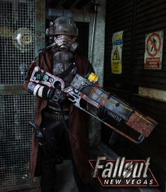 Some Fallout Cosplay to Survive the Apocalypse In