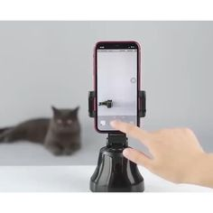 """Sensationalize your smartphone photography with this smart AI gimbal. Get insanely creative GIFs, photos & videos. Home Gadgets, Gadgets And Gizmos, Tech Gadgets, Electronics Gadgets, Telephone Smartphone, Support Telephone, Smart Auto, Cool Gadgets To Buy, Phone Organization"