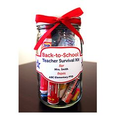 Great way to celebrate teachers! Give them a fun survival kit with a collection of cute items! # DIY Gifts for teachers Teacher Survival Kit Schul Survival Kits, Survival Kit For Teachers, Survival Supplies, Survival Skills, Kindergarten Survival Kit, Teacher Emergency Kit, Kindergarten Teacher Gifts, Survival Prepping, Welcome Back Teacher
