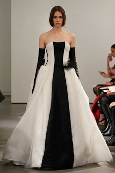 Vera Wang Spring 2014 Bridal Light ivory and black strapless silk satin faced organza and tulle gown with contrast center panel detail and hand pieced Chantilly lace back