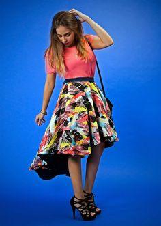 Falda irregular doble vista en estampado y liso. Encuéntrala en: www.corchea.mx