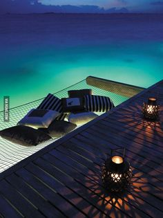 Mmmm, looks way to cozy! if i lived in a tropical country/island i would put this up at my place :)