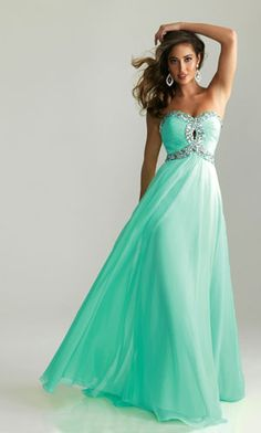 Loovee this dress! So flowy and such a pretty color! Love the style!