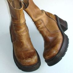 Sock Shoes, Cute Shoes, Me Too Shoes, Shoe Boots, Tan Leather Ankle Boots, Aesthetic Shoes, Steve Madden Boots, Vintage Shoes, Fashion Bags