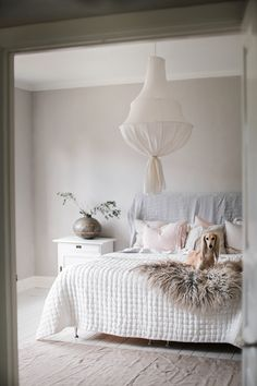 pinned by barefootstyling.com  hanging lamp