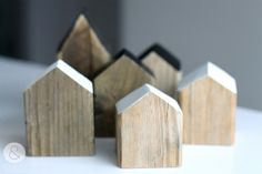 Little houses of old wood with or without heart -little-. €9.95, via Etsy. #house #home