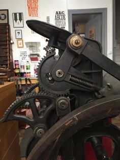 La Prouty job press de George W. Prouty | ampersandpresslab.fr