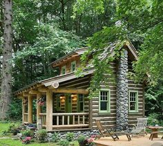 Cabins And Cottages: The small log cabin designs featured here are idea. Small Log Cabin, Tiny Cabins, Little Cabin, Tiny House Cabin, Log Cabin Homes, Cabins And Cottages, Little Houses, Tiny Houses, Prefab Cabins