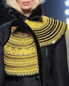 The Jean Paul Gaultier brand presented its Fall-Winter collection at Haute Couture fashion shows in Paris. Check out all the pictures of his parade. Style Couture, Couture Details, Haute Couture Fashion, Fashion Details, Couture 2015, Fashion Week, High Fashion, Fashion Show, Fashion Art