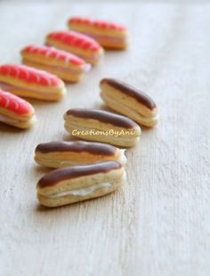 Classical Eclair with cream and chocolate icing- Dollhouse Scale Miniature Food Diy Doll Miniatures, Polymer Clay Miniatures, Tiny Food, Fake Food, Mini Patisserie, Minis, Fimo Kawaii, Barbie Food, Chocolate Icing