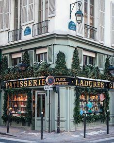 Patisserie in Paris! You have to try some cakes and macarons! / patisseri / paris photography / paris love / paris addicted / paris beauty / paris goals / city of love / eiffel tower / deananderic / fierce / feminine / business driven / monogram / persona Places To Travel, Travel Destinations, Places To Visit, Paris Travel, France Travel, Patio Grande, Hello France, Grand Paris, Paris Love