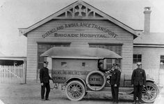 Ambulance and ambulance officers at Ipswich, Queensland, ca. 1917