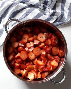 Domáci džem - Receptik.sk Beans, Vegetables, Instagram, Food, Essen, Vegetable Recipes, Meals, Yemek, Beans Recipes