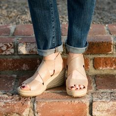 The groundhog may have seen his shadow, but we've been enjoying sandal weather this week. These soft gold espadrille sandals are my new favorites!   #ssCollective #mylook #wearitloveit #todaysdetails #shopthelook