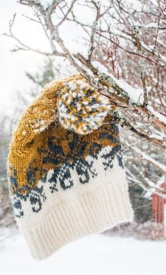 Ravelry: Baltic Amber Hat pattern by Donna Druchunas Knitting Blogs, Knitting Projects, Winter Knitting Patterns, Knit Crochet, Crochet Hats, Fair Isle Knitting, How To Purl Knit, Knit Picks, Knitting Accessories
