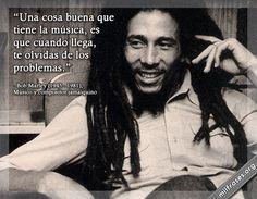 Bob Marley, con la música se olvidan los problemas Bob Marley Pictures, Smile Word, True Words, Qoutes, Kurt Cobain, First Love, Chucky, Gandhi, Truths