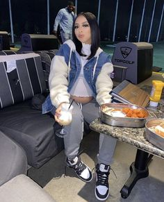 You are in the right place about chill outfits movies Here we offer you the most beautiful pictures Baddie Outfits Casual, Cute Swag Outfits, Chill Outfits, Dope Outfits, Trendy Outfits, Fashion Outfits, Streetwear Mode, Streetwear Fashion, Tomboy Stil