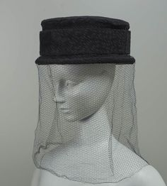 Crepe hat with 2 matching veils, for mourning, American 1918 20th Century Fashion, Late 20th Century, Hudson Bay Blanket, Mourning Dress, Derby, Blanket Coat, Ear Hats, Women's Hats, Twelfth Night