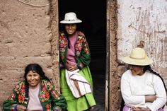 Aymara Ladies of Lake Titicaca - See the full post here:http://www.jonathanirish.com/2013/04/17/aymara-ladies-of-lake-titicaca/
