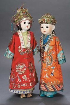 Chinese Bisque Dolls, wearing embroidered silk kimonos, circa ~Via Pam Traves Tiny Dolls, New Dolls, Chinese Dolls, Chinese Opera, Asian Doll, Expressive Art, Bisque Doll, Doll Maker, Embroidered Silk
