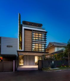 Modern Green Wall House in Singapore by ADX Architects Pte Ltd Architects:ADX Architects Pte Ltd Location:Singapore Year: 2015 Photo courtesy:Edward Hendricks Thank you for reading this article!