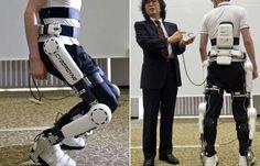 HAL è una particolare tuta tecnologica che può essere indossata da una persona disabile con deficit motorio e facilita il movimento di gambe e braccia.