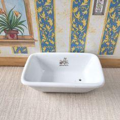 Vintage Sylvanian Families Tomy Bathroom Furniture   White Ceramic Bath    eBay