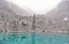 Jiuzhaigou in winter     China photo