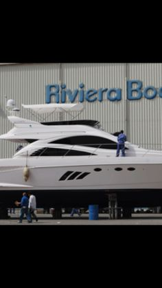 Welcome to riviera boat Have a look to all our brands  http://crwd.fr/2AL03rk . . . . #yachtlife #superyacht #yachting #yacht #luxuryyacht #boatlife  #yachtclub #fishingboat #patrolboat #flybridge #cabincruiser  #boatcharter #madeinuae #billionairetoys #rivieraboat #integrityboat #seastarboat #boats #dubaiboat