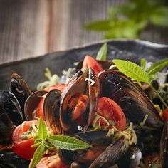 Miesmuscheln in Safransud by Didi Maier Ratatouille, Ethnic Recipes, Food, Mussels, Good Food, Food Food, Simple, Recipies, Essen
